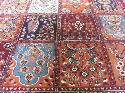 A MARVELLOUS MACHINE MADE ORIENTAL RUG (290 x 200 cm)