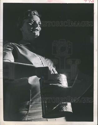 1966 Press Photo Mrs. Alice Holstead Gives Donation to Charity in Houston