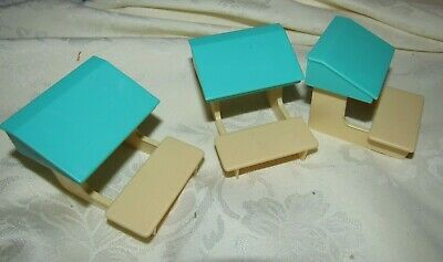 Barbie Kelly Lot Of 3 Plastic School House Desk Chairs  Accessory For Doll