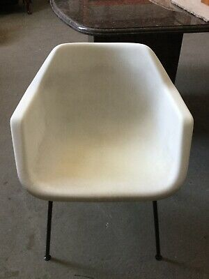 Vintage Robin Day Plastic Chair By Hille