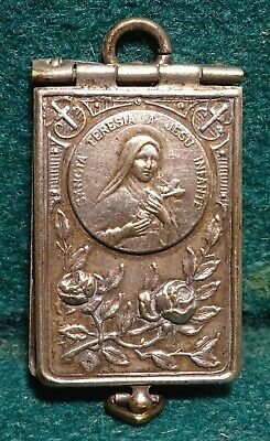 Antique BOOK LOCKET PENDANT w/ FOLD OUT 8 PICTURES ST THERESE OF LISIEUX