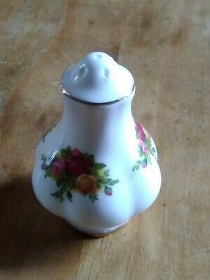 Royal Albert China - Old Country Roses -Salt or Pepper condimont pot xxx