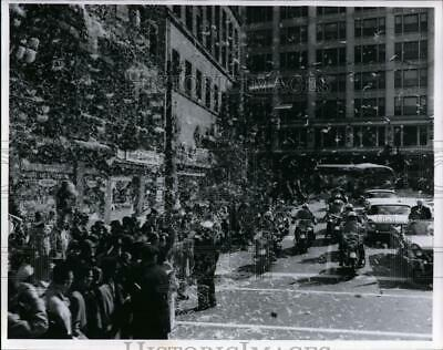 1960 Press Photo Dwight Eisenhower visits Ike at E 9th and Euclid - cvo02729