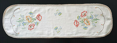 Gorgeous Vintage Table Runner, Hand Embroidered Flowers & Crochet Edging
