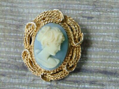 "Vintage  Antique Blue & White Cameo Pin Brooch 1 1/4"" Oval Gold Tone Tie Scarf"