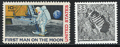 First Man On The Moon ~ Footprint ** 1969 Apollo 11 ** 2 Us Postage Stamps Mint