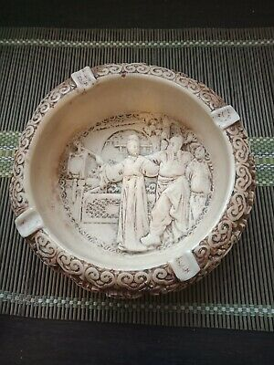 VINTAGE ASHTRAY carved resin with Chinese man and lady