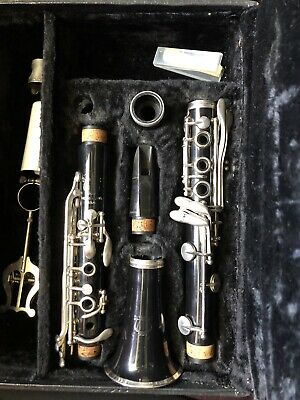 Vito B57207 Student Model? Clarinet with Case