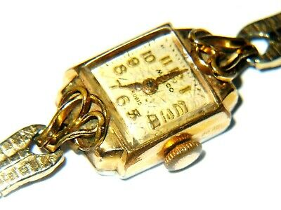 1930's Ladies Art Deco MULCO Gold cased Wristwatch 17 Rubis