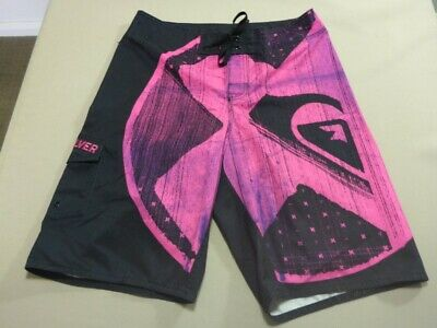 079 Boys Ex-Cond Quiksilver Relaxed Blk / Hot Pink Boardshorts Sze 16 $70 Rrp.