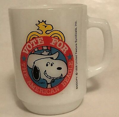 Anchor Hocking Snoopy Coffee Mug Vote for the American Beagle Coffee 1980 Vtg A5