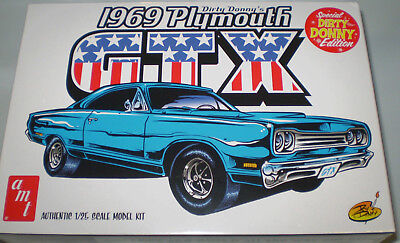 Amt1065/12 Dirty Donny's 1969 Plymouth Gtx Authentic 1:25 Scale Model Kit New