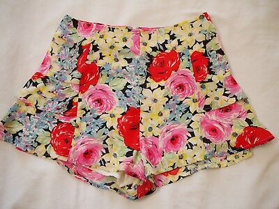 JUNK Black White Red SHORTS Size 8 Floral Print Ruffle Sides Lined Yellow Blue