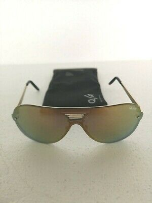 Quay Australia Sunglasses - SHOWTIME Gold Mirror - Incl. Soft Case