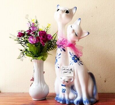 Cat family Figurine Figurine Collectibles Japan Ceramic 14 inches tall Vintage