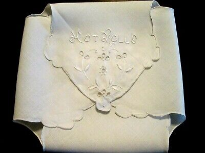 """ROLL BUN DOILY VINTAGE - 14"""" White/White """"Hot Rolls"""" & Florals Embroidery"""