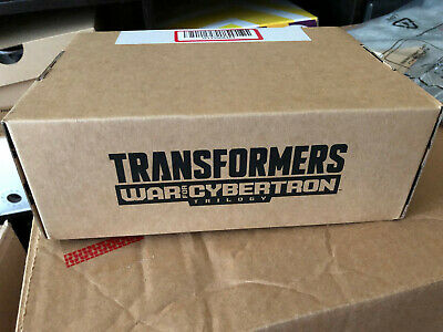 Transformers Generations Selects Siege Voyager Class Decepticon Red Wing Figure