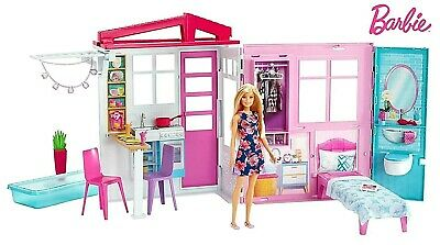 Barbie FXG55 Doll and Dollhouse, Portable 1-Story Playset, with Pool,