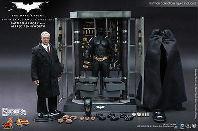 Hot Toys The Dark Knight Batman Armory avec Alfred Pennyworth Figurine Mms 235