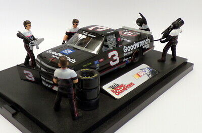 Racing Champions 1/24 Scale 09441 - Chevrolet  Nascar Pit Stop Show Case