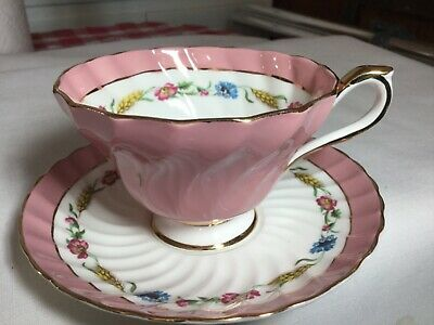 Aynsley Bone China Swirled Cup And Saucer England       White/Pink