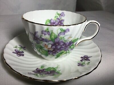 Aynsley Bone China Swirled Cup And Saucer England     Violets