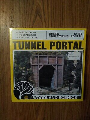 Woodland Scenics HO Single Tunnel Portal Timber C1254 WOOC1254