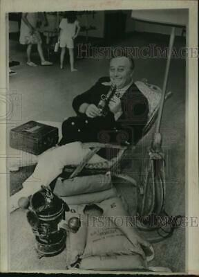 1970 Press Photo Gene Darcy with Queen Mary items he plans to sell in Houston