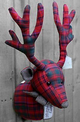 Hanging Deer Stag Head Wall Decoration Merry Christmas Wreath ~ Red Tartan