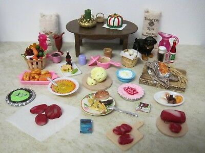 Dollhouse Miniature Handcrafted cat food dishes pretend food /& water on mat 1:12