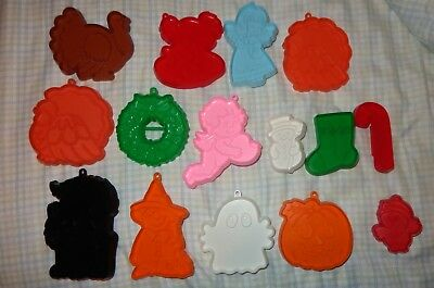 15 Old Vintage Plastic Hallmark Cookie Cutters Halloween Witch Ghost Cat Penguin