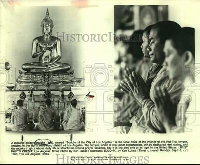 "1980 Press Photo ""Buddha of the City of Los Angeles"" at Wat Thai Temple, Prayer"