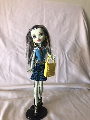 Monster High First Day Of School Frankie Stein