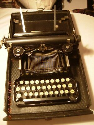 Vintage folding typewriter Smith & Corona Special, cased Made in USA