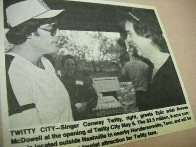 CONWAY TWITTY greets RONNIE McDOWELL 1982 music biz promo pic with text