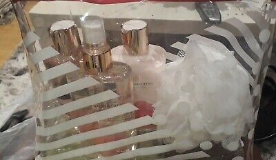 BRAND NEW Boots So Wonderful Gift Set. Body lotion/wash. Floral fruity fragrance