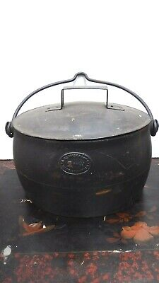 Antique Kenric 2 Gallon Cast Iron Camp Oven Cooking Pot Boiler