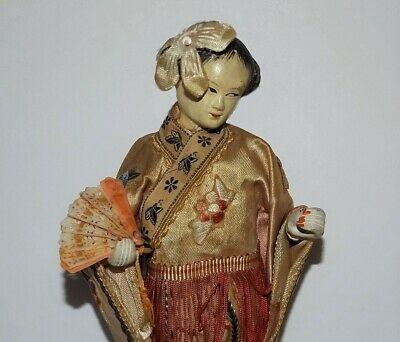 VINTAGE CHINESE FIGURE Composition Geisha Girl Holding Brise Hand Fan NICE DOLL