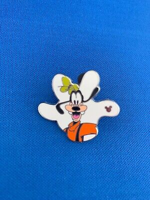 2010 Disney Parks GOOFY Hidden Mickey Mouse White Glove Collectible Trading Pin
