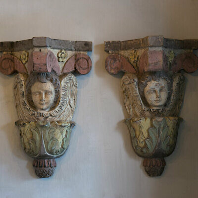 Fine PAIR Brackets Portuguese 17th Century, Craved Wood Panted Gesso