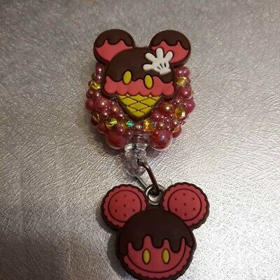 Mickey/Minnie Mouse Treats Bling Badge reel