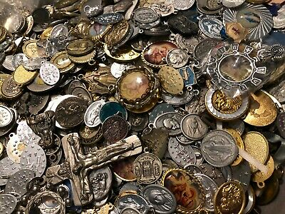 VINTAGE LOT OF RELIGIOUS CATHOLIC MEDALS CHARMS PINS ROSARY