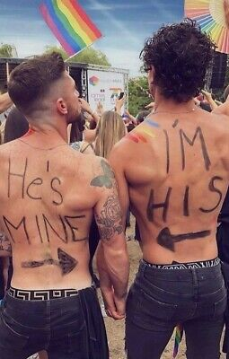 Shirtless Male Beefcake Gay Interest Pride Parade Couple Hands PHOTO 4X6 F2044