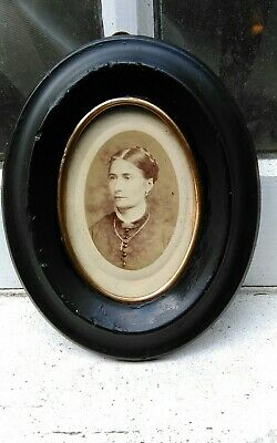 """1900 EBIONISED BLACK MINIATURE SILHOUETTE PICTURE OVAL FRAME 4 1/4""""W x 5 1/2""""D x"""
