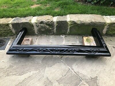 Antique Arts & crafts fireplace fender, Black cast Iron, early 20th century