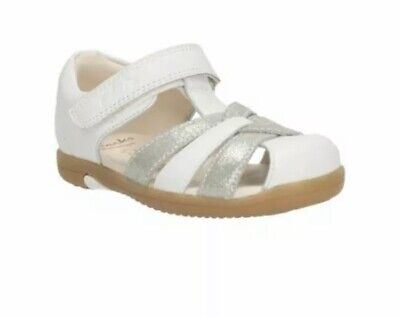 Clarks Girls Softly Mae Fst White And Silver Sandals UK Size 4.5F