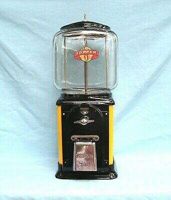 1950's Victor Topper Glass Globe  One cent Gumball  Machine with lock and key