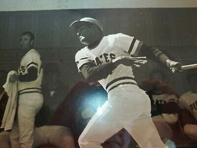 Roberto Clemente (2) Photo Deal of the Greatest Pittsburg Pirate Ever