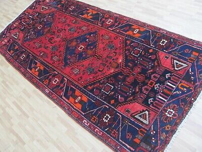AN AMAZING OLD ANTIQUE HANDMADE  ORIENTAL RUG (236 x 108 cm)