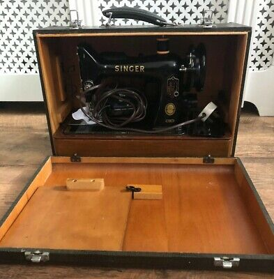 1956 Singer Electriic Portable Sewing Machine In Carry Case